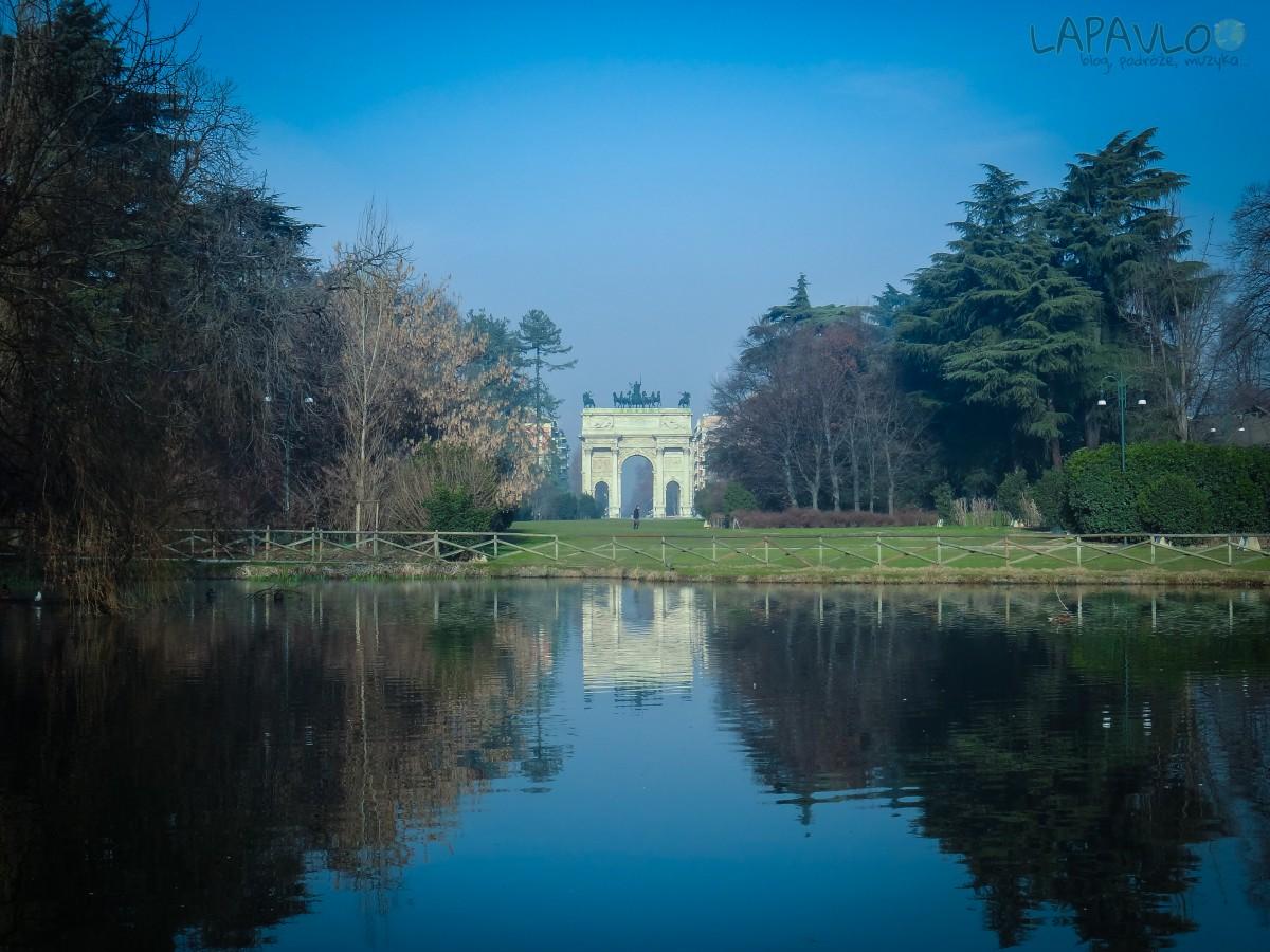 Park Sempione z Arco Della Pace w tle - Mediolan