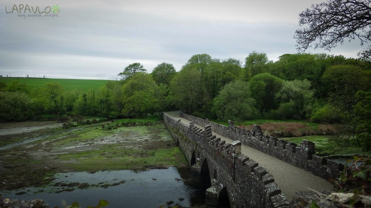 Most przez rzekę- Tintern Abbey